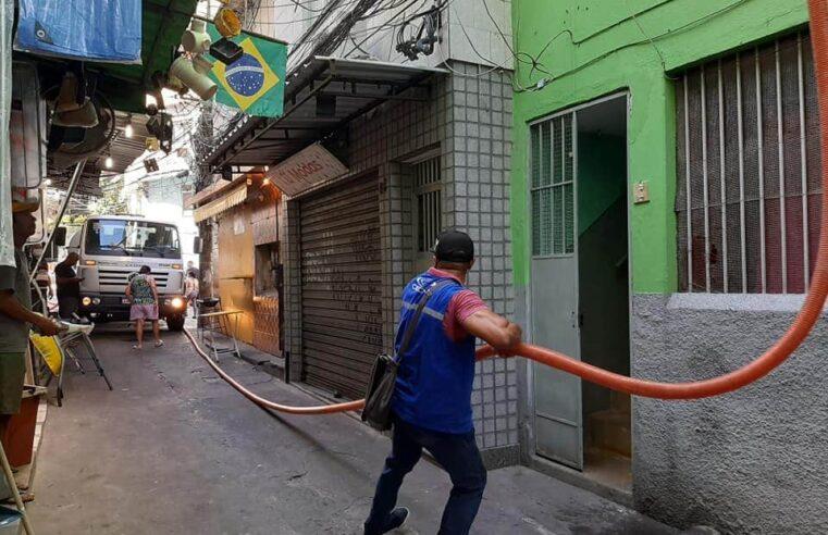 Após 14 dias sem água, Cedae conclui reparos na Rocinha