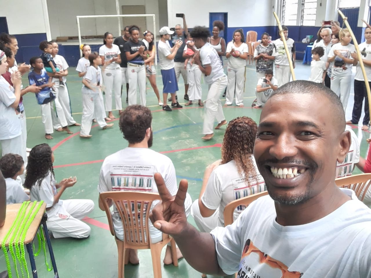 Professor busca parcerias para construir biblioteca comunitária no Morro da Providência