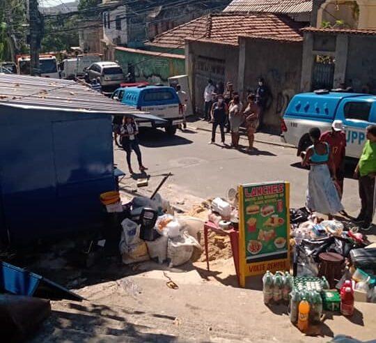 Sem notificação prévia, Prefeitura do Rio derruba comércio  no Complexo do Lins