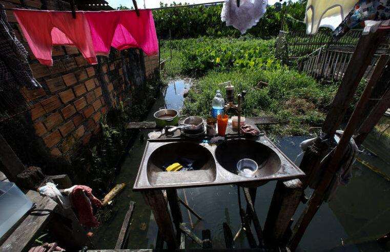 """As ausências do saneamento básico revelam uma face cruel das desigualdades nos dois """"Brasis"""""""