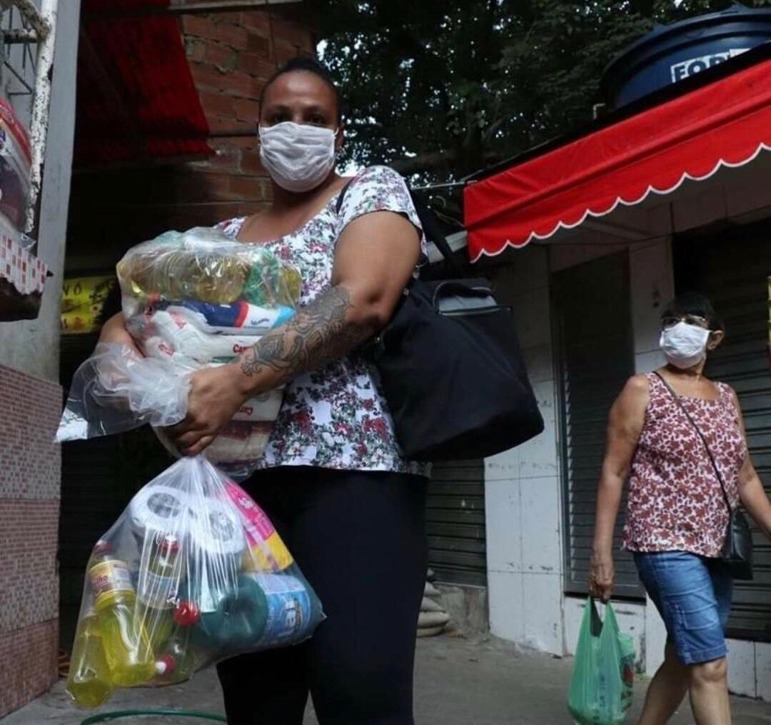 PPG Informativo realiza campanha de arrecadação de absorventes e fraldas