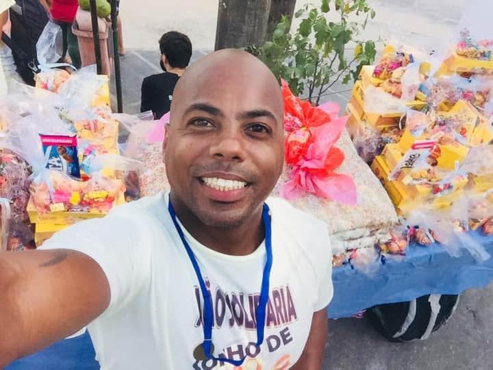 De ator e capoeirista à orientador social; Morador do Vidigal transforma a sua comunidade