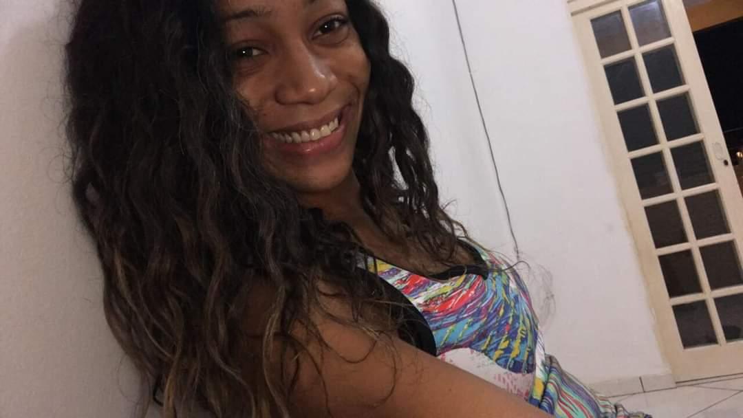 Mulher é baleada nas costas durante um tiroteio na Vila Kennedy
