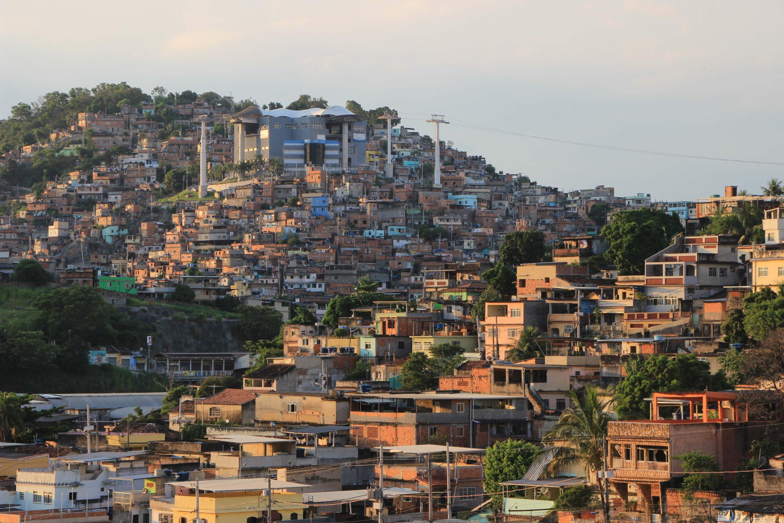 Conheça propostas para favelas de oito candidatos à prefeitura do Rio