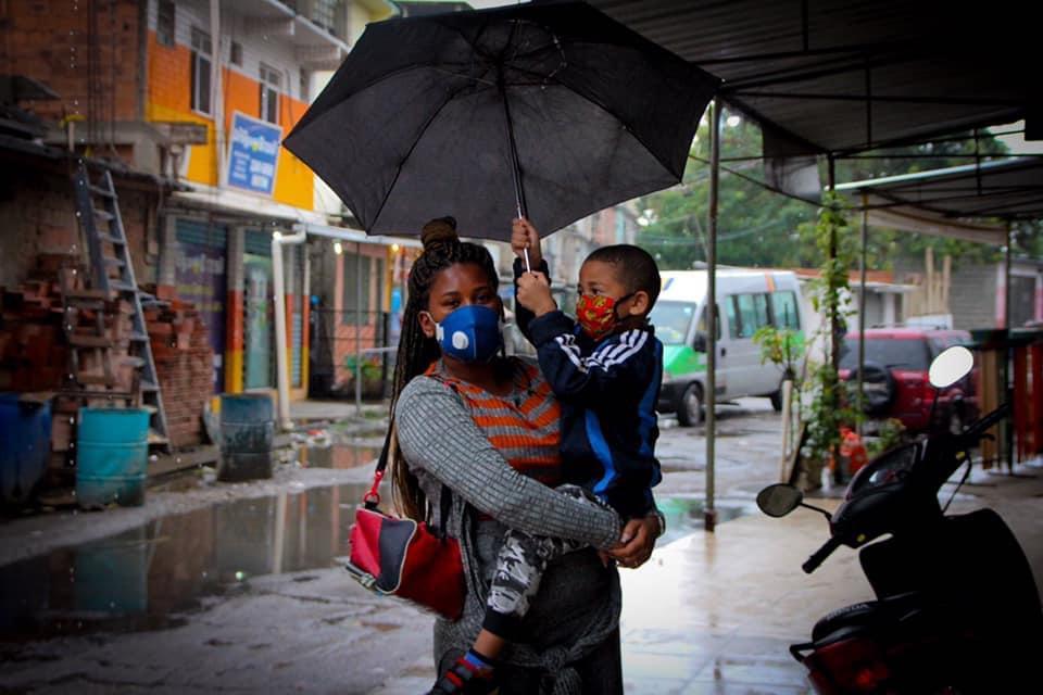 36 sirenes foram acionadas em 17 favelas com alto risco de deslizamento; hoje a previsão é de chuva fraca