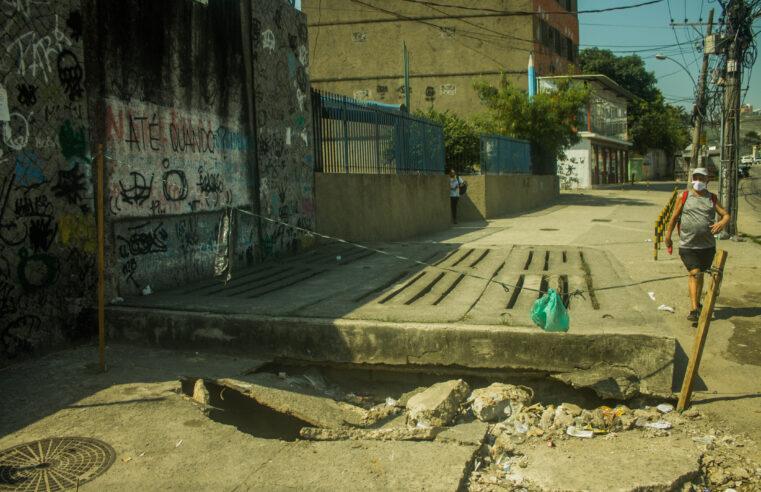 No jogo de empurra de órgãos públicos, buraco da Itaóca segue sem solução
