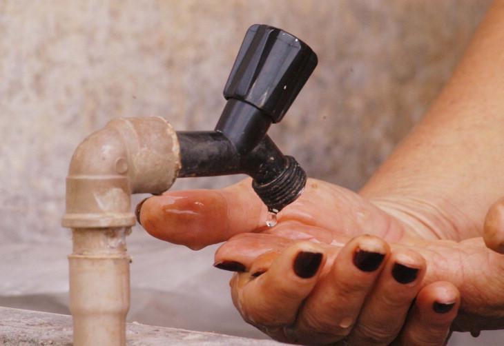 Moradores vão precisar economizar água após rompimento em adutora de Higienópolis
