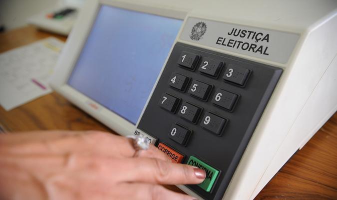Eleitor que trabalhar nas eleições municipais NÃO perderá auxílios do governo