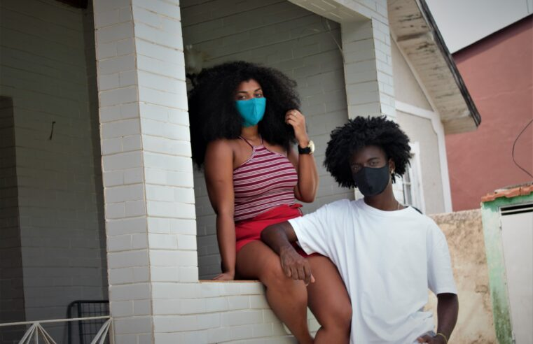 Representatividade LGBTQIA+ e negra no  audiovisual está em filme gravado na favela