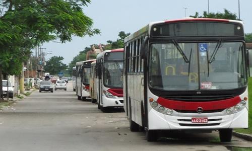 Moradores da Vila Kennedy sofrem com diminuição da frota de ônibus