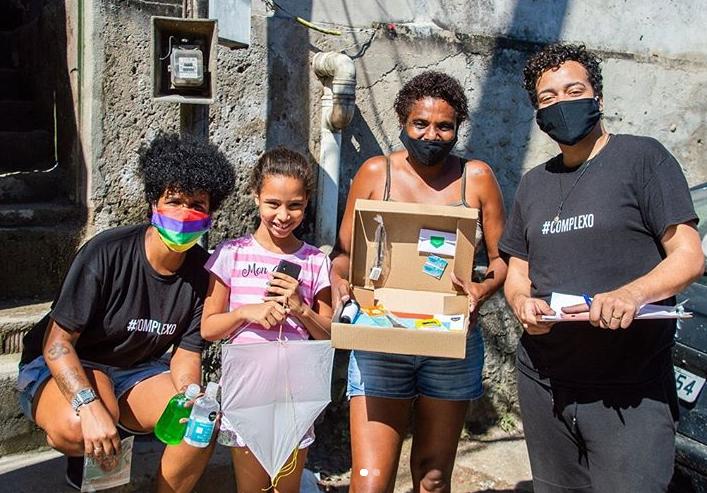 Pipas Labs busca doações para ação em comunidades que une tecnologia e brincadeira