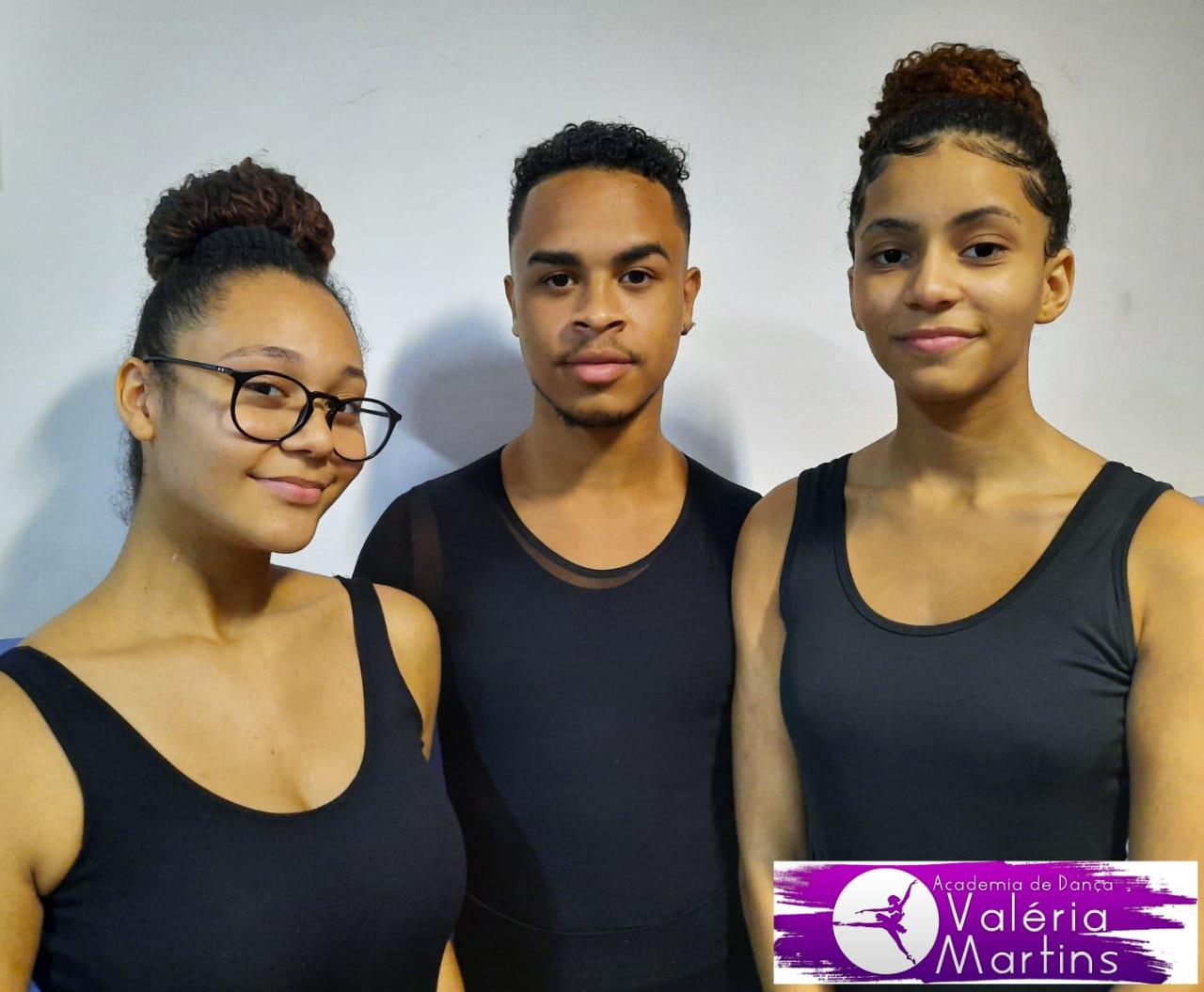 Bailarinos da Cidade de Deus conquistam bolsa em escola de dança de Nova Iorque