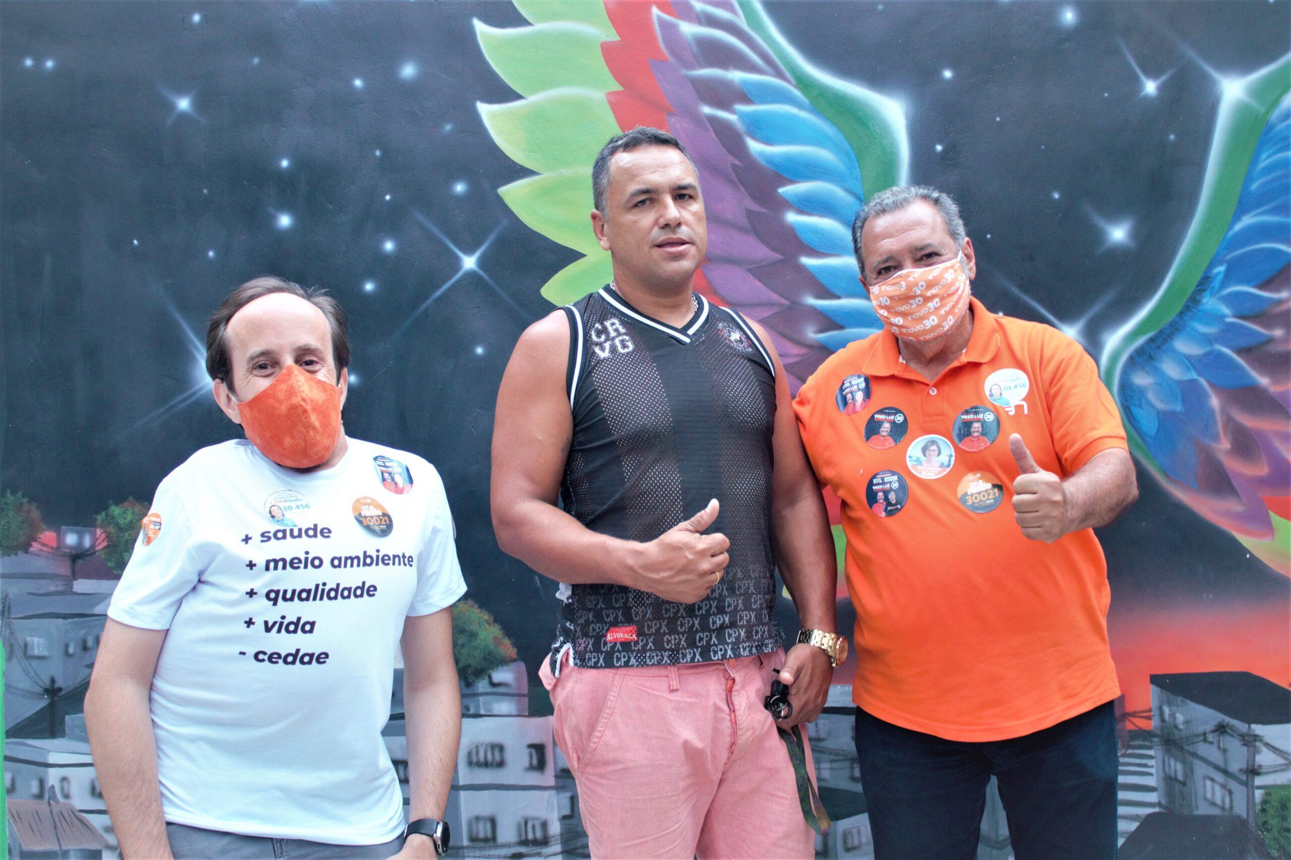 Fred Luz (Novo) visita a Fazendinha, no Complexo do Alemão