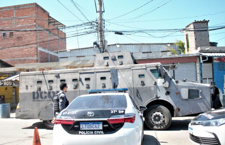 Mais de 300 policiais e 5 caveirões participam de mega operação no Complexo da Maré