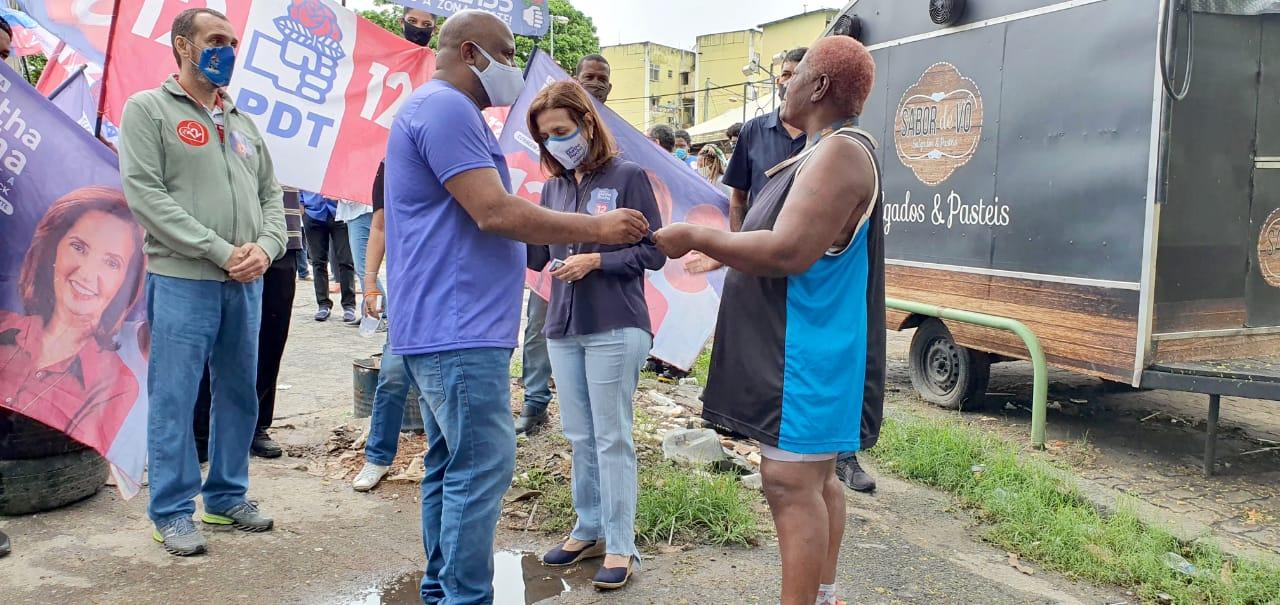 Martha Rocha (PDT) faz caminhada e reunião com lideranças comunitárias na Cidade de Deus