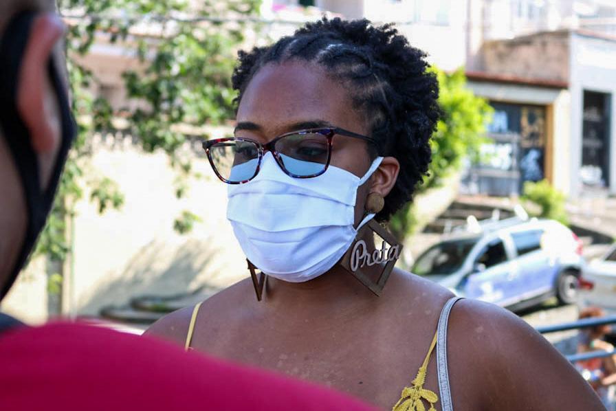 Moradores do Complexo do Alemão comentam sobre o 1° turno das eleições municipais