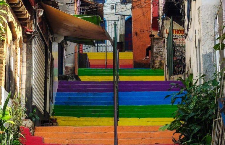 Lavagem da escadaria da Favela Santa Marta no dia da consciência negra