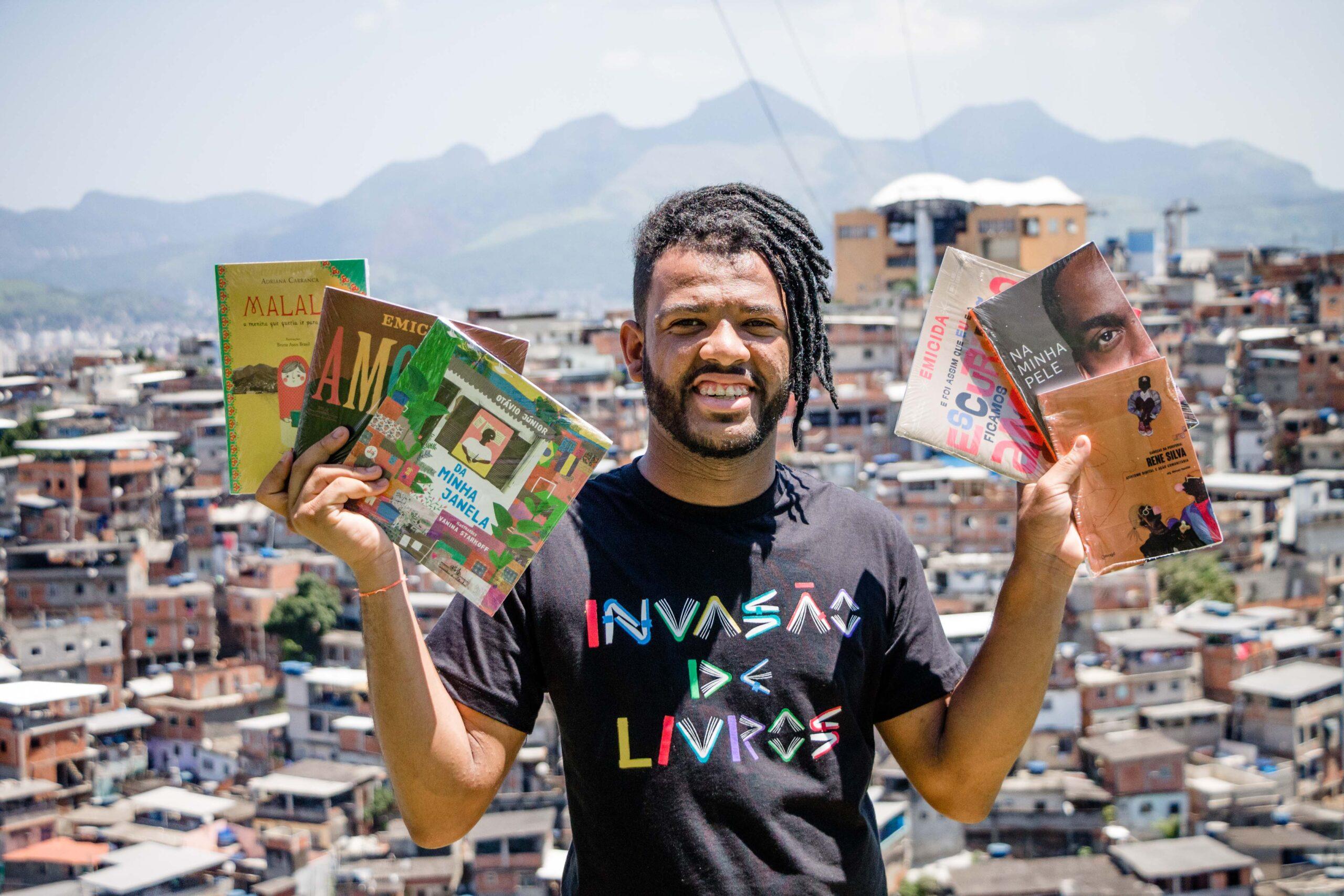 Voz das Comunidades promove Invasão de Livros em alusão à ocupação, que completa 10 anos