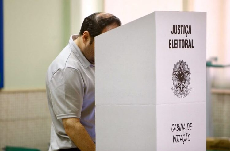 Confira os resultados das principais zonas eleitorais do Complexo do Alemão