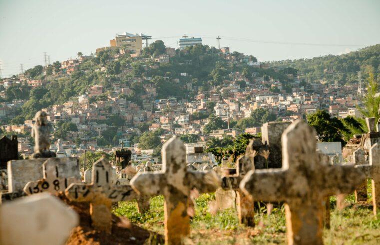 Mais de 900 moradores de 25 favelas do Rio morreram por Covid-19