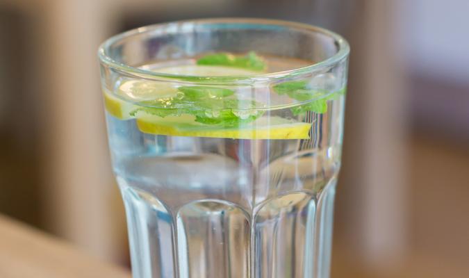 Gargarejo com limão e bicarbonato NÃO previne Covid-19