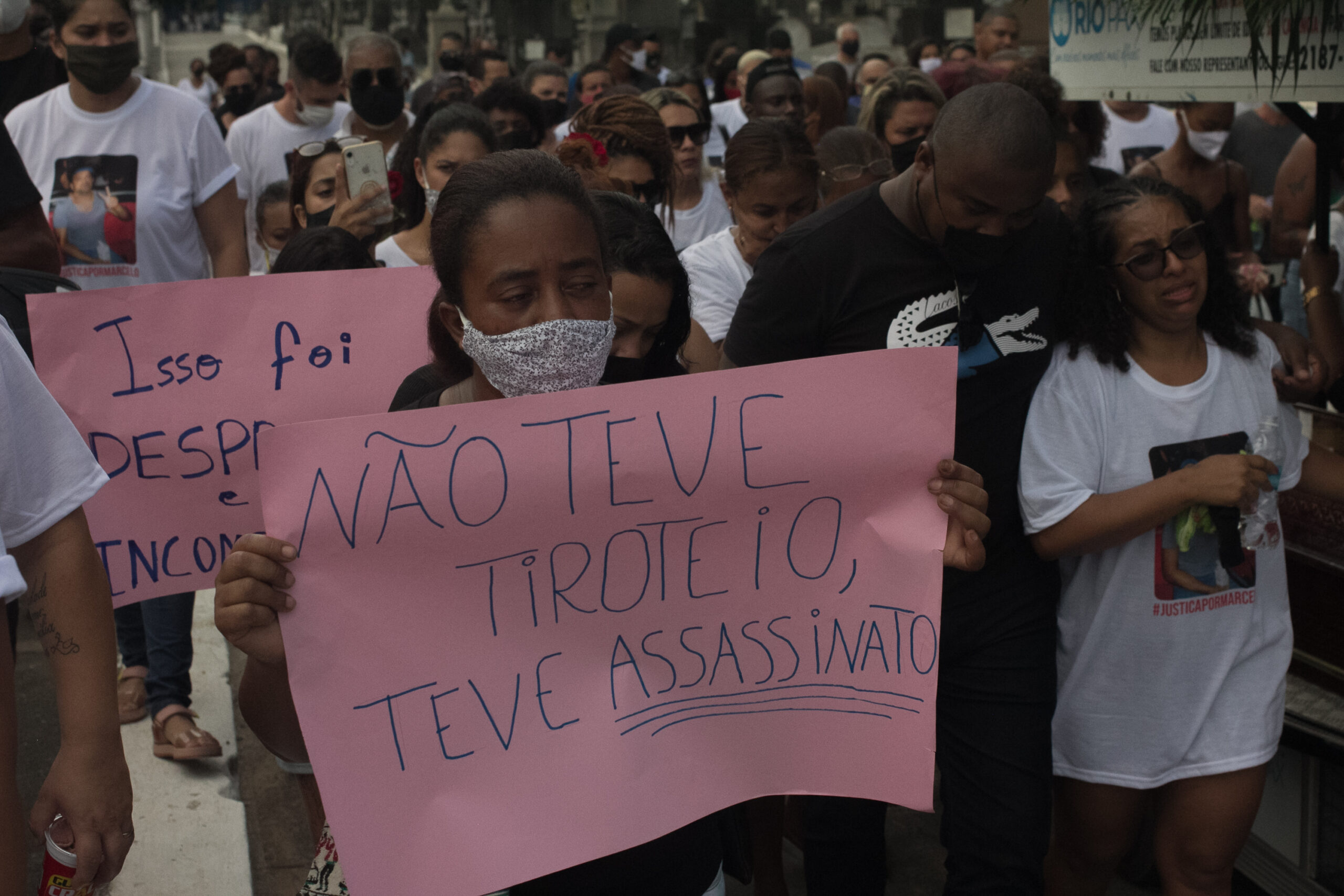 Terça-feira marcada por dor e protesto na Cidade de Deus