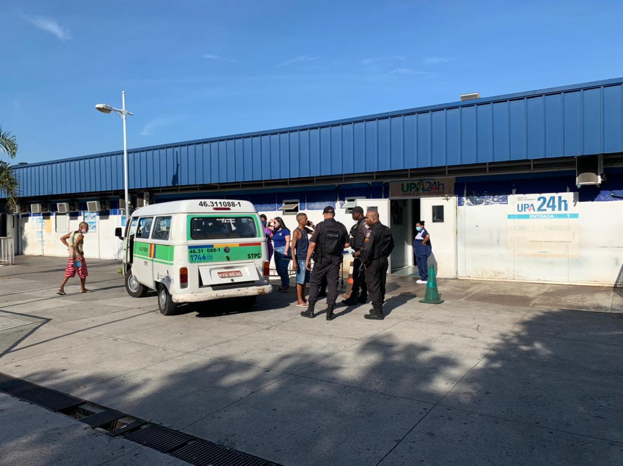 2 pessoas foram baleadas e 1 criança de 6 anos foi atingida por estilhaços no Alemão