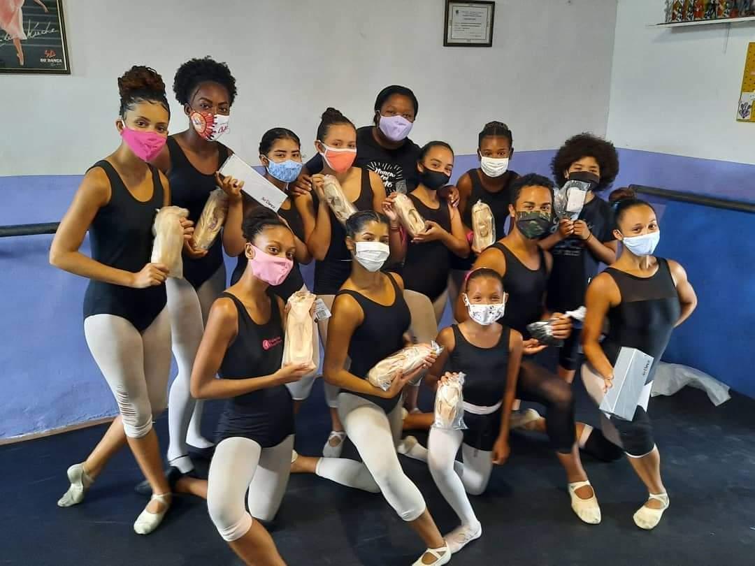 Academia de dança Valéria Martins transforma a vida de crianças e jovens da Cidade de Deus