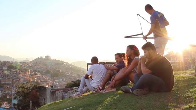 Instituto Raízes em Movimento está com inscrições abertas para mais uma edição do Favela.doc
