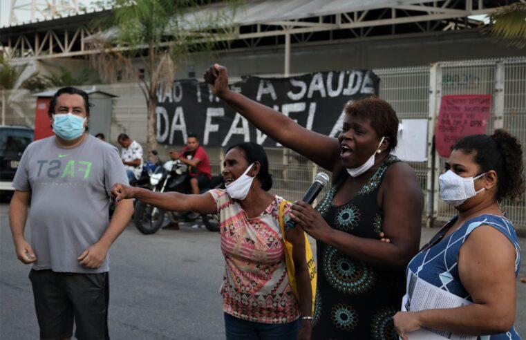 Prefeitura promete a volta da UPA de Manguinhos no fim do mês; moradores protestam e exigem a abertura imediatamente