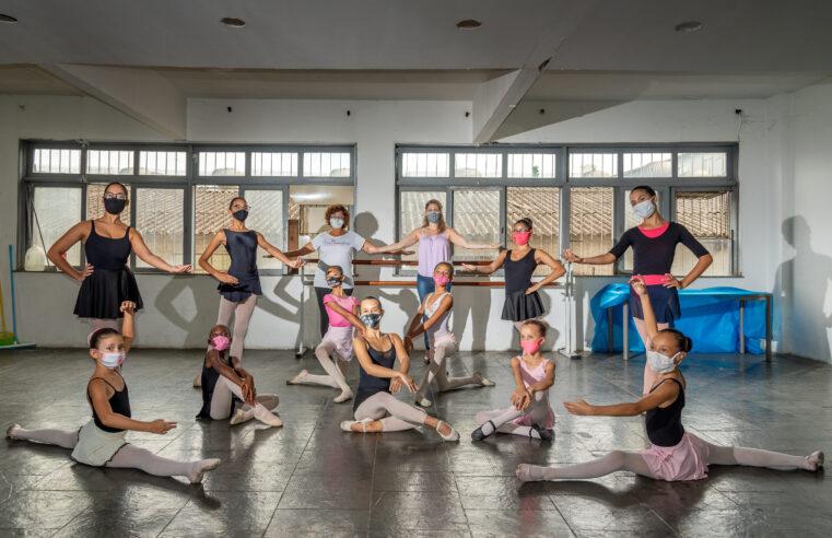 Bailarinos do Complexo do Alemão são aprovados na audição da renomada Escola de Dança Petite Danse
