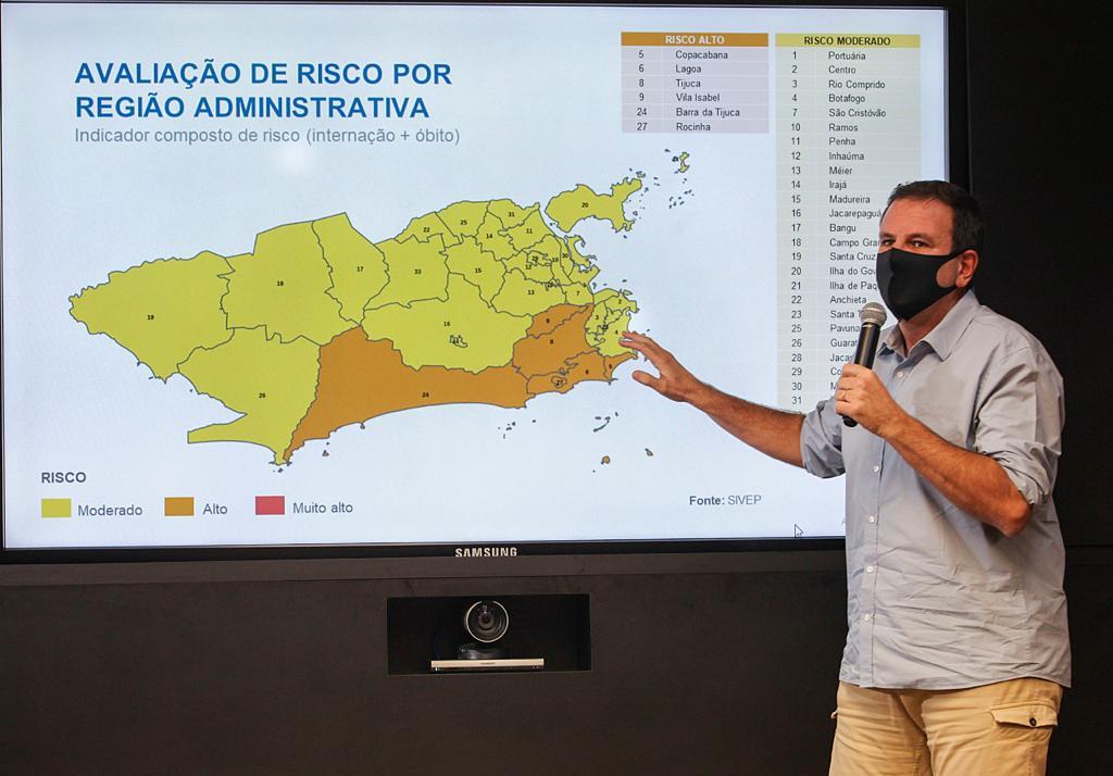 Paes falando da Rocinha