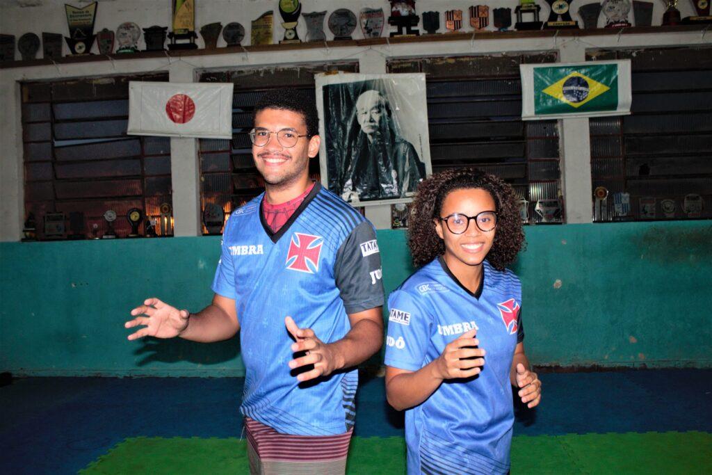 Os dois moradores da Vila Cruzeiro lutam para retomar o projeto social na Vila Cruzeiro agora pela Umbra. Foto: Vilma Ribeiro/ Voz das Comunidades
