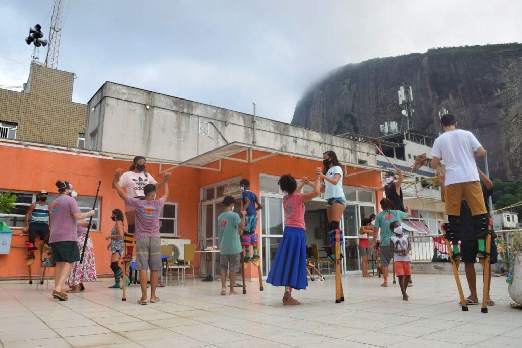 Projeto Vivências em Danças Populares