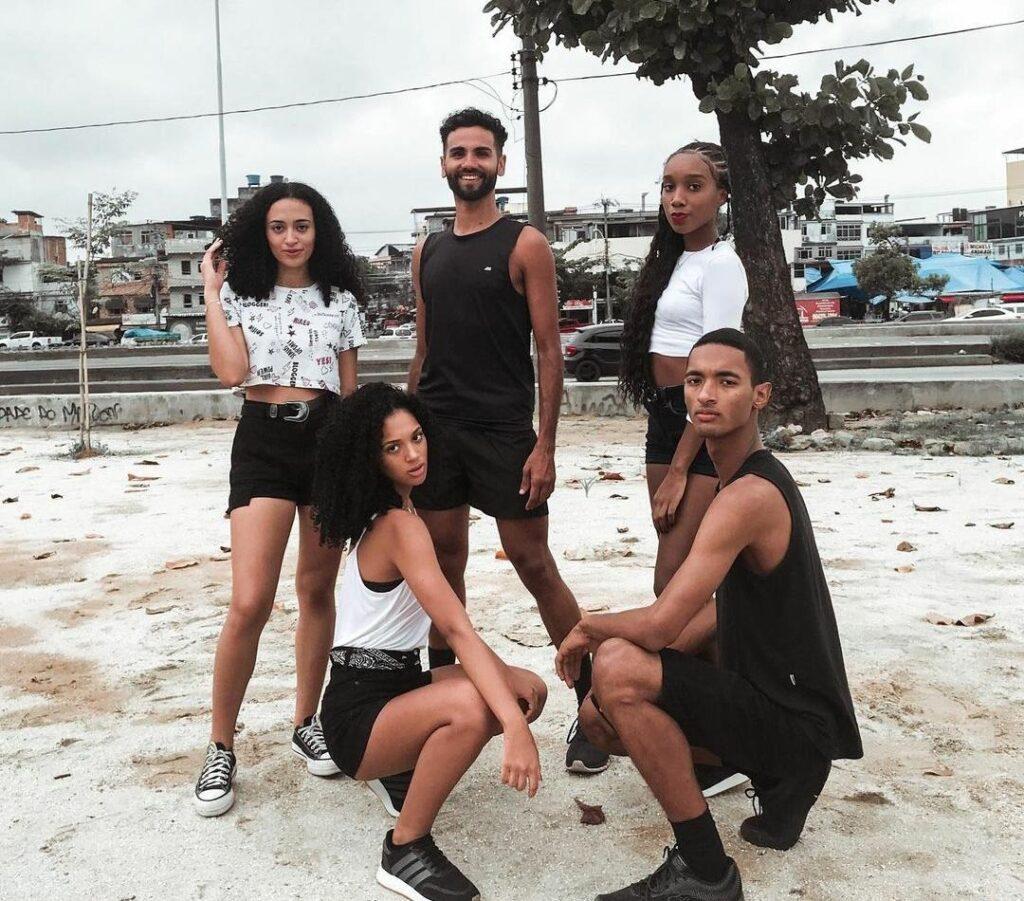 O @dancemareoficial é um grupo de dança do Complexo da Maré que já tem seu trabalho reconhecido na comunidade.
