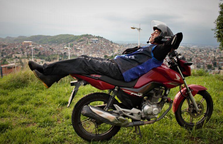 Mototaxista Dú Amor: Conheça a história do Gabriel Rusty