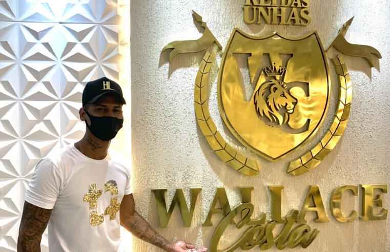Rei das Unhas: saiba quem é Wallace Costa, o homem manicure
