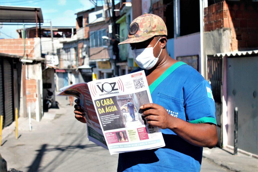 Jornal impresso do Voz das Comunidades