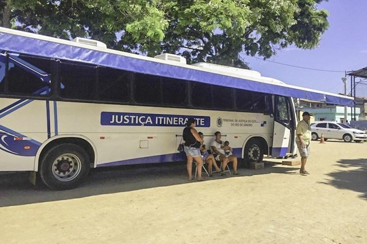 Disponível calendário do ônibus da Justiça itinerante para a favela da Rocinha; confira