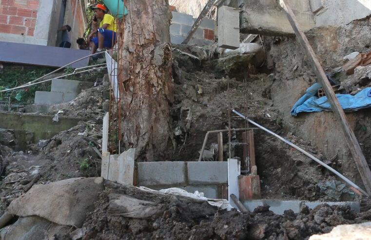 Zona do Medo: localidade do Complexo do Alemão apresenta risco de deslizamento