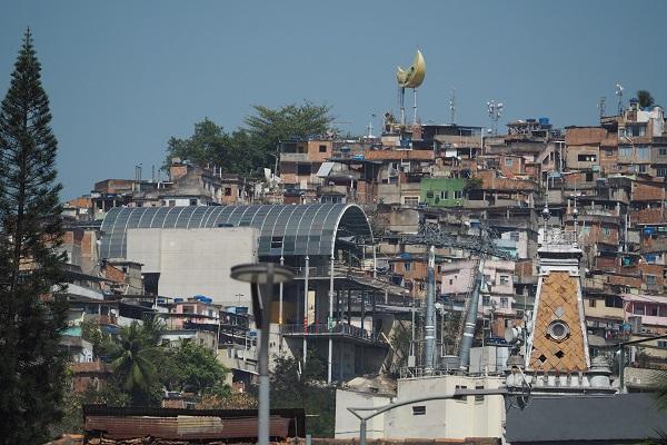 Programa Brilha Comunidade pretende levar melhorias à população das favelas do Rio
