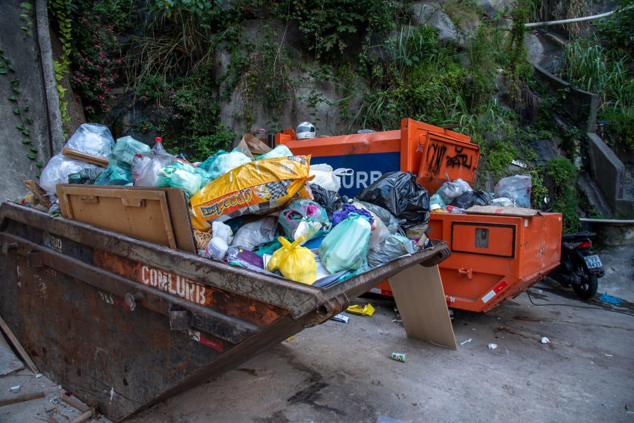 Favela do Vidigal poderá ganhar caçambas de lixo em 8 localidades diferentes