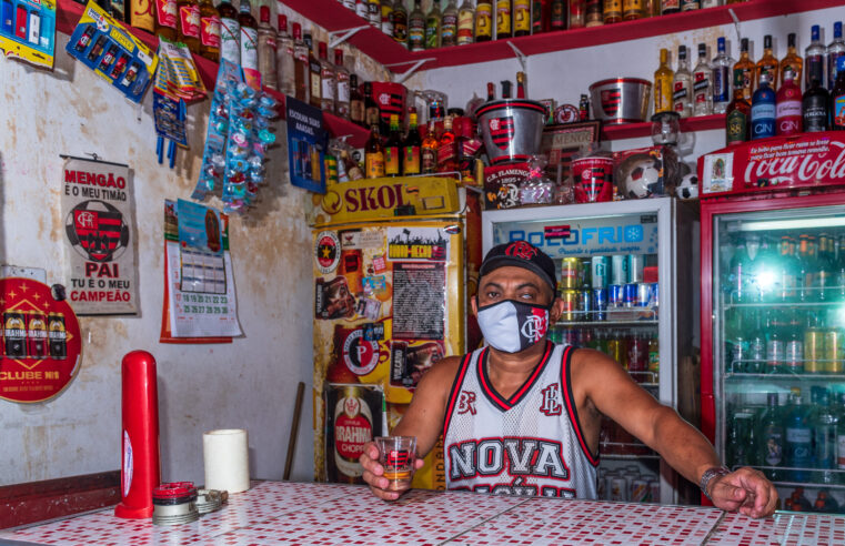 A história do torcedor apaixonado José Alves, o Zé Fla do Bar do Flamengo na Nova Brasília