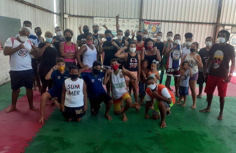 Preparando campeões: projeto em Deodoro disponibiliza aulas de Muay Thai e Jiu-Jitsu para jovens de favela