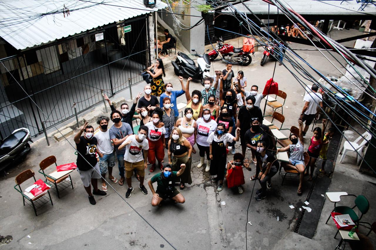 """Entre lutas sociais e ensino, pré-vestibular """"Só Cria"""" conquista novo espaço na Rocinha"""