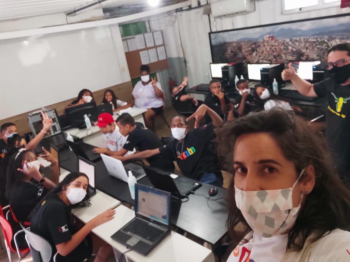 Na EDUCAP, curso de Introdução à Tecnologia prepara jovens para o mercado de trabalho