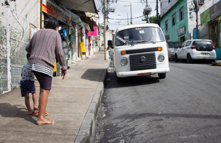 Mobilidade Urbana: Associação de Moradores do Morro da Alvorada busca revitalização no Ponto das Kombis