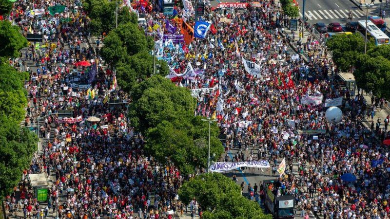 Manifestações contra Bolsonaro são marginalizadas pela mídia brasileira