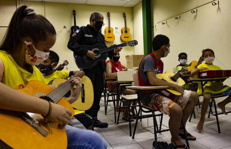 Projeto Atitude Social do Complexo da Penha volta com atividades gratuitas com apoio da UPP