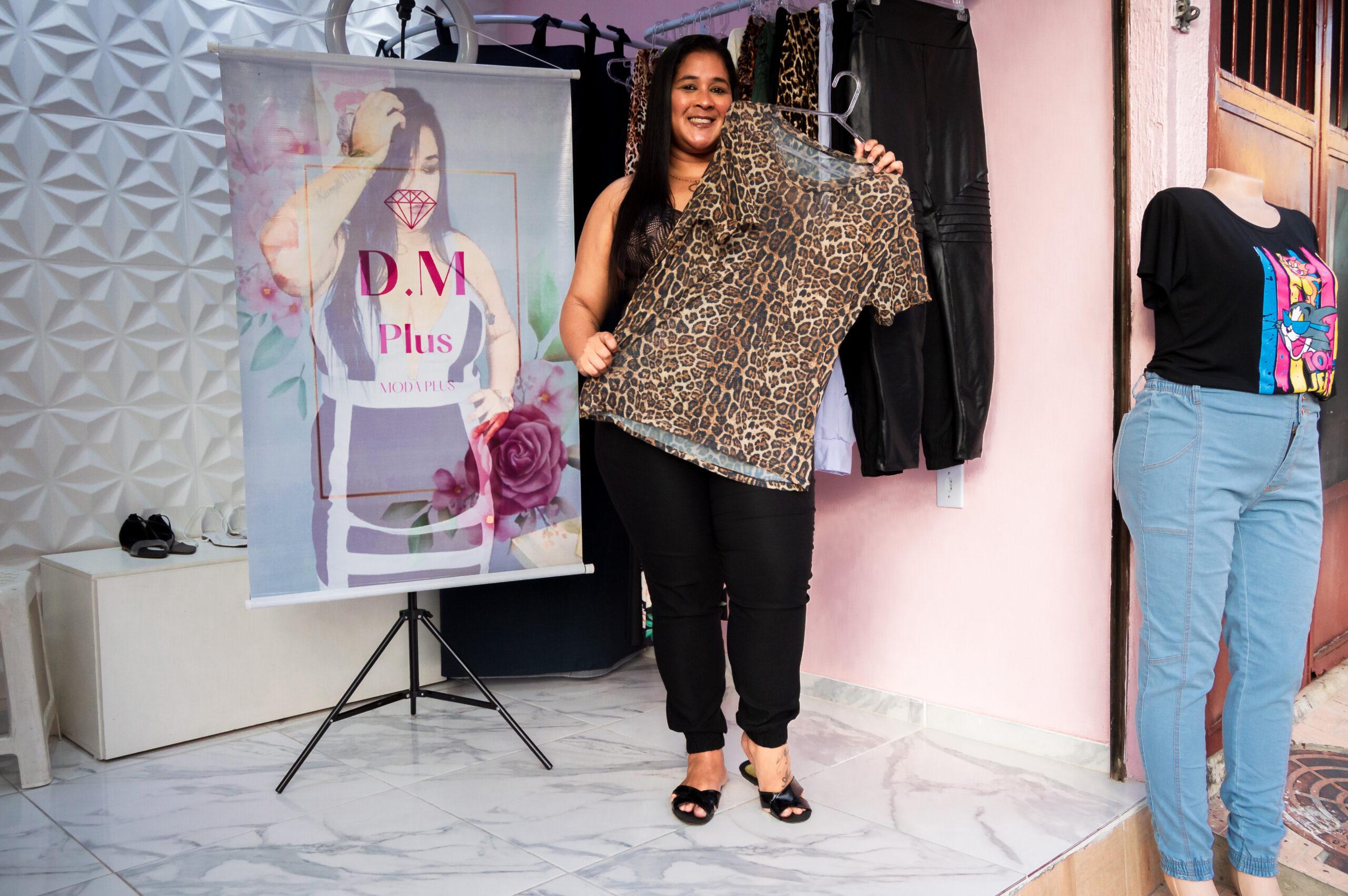 Moda e representatividade: Moradora do Alemão cria loja plus size para mulheres da comunidade